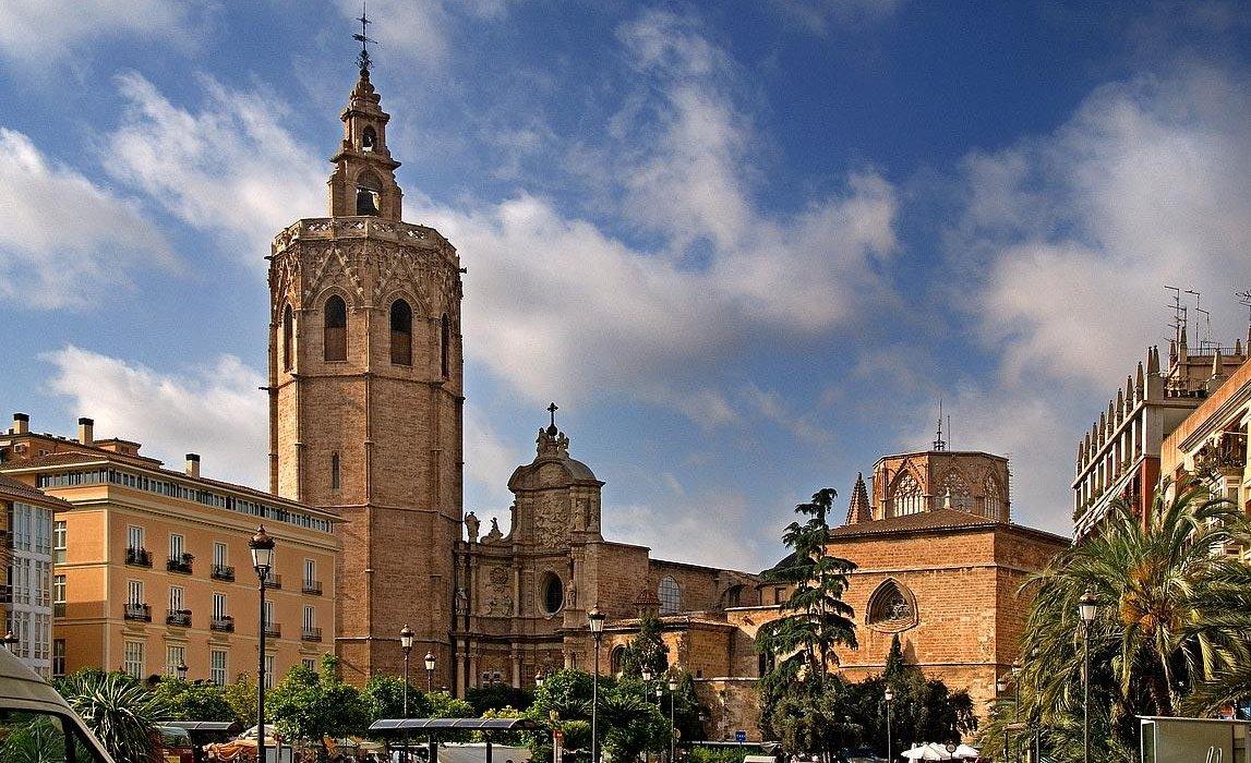 Valencia October City Break - Image 1