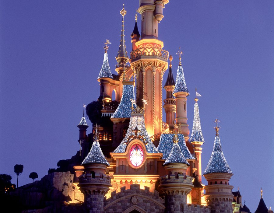 DisneyLand Paris – The Place where Dreams really do come True !! - Image 1