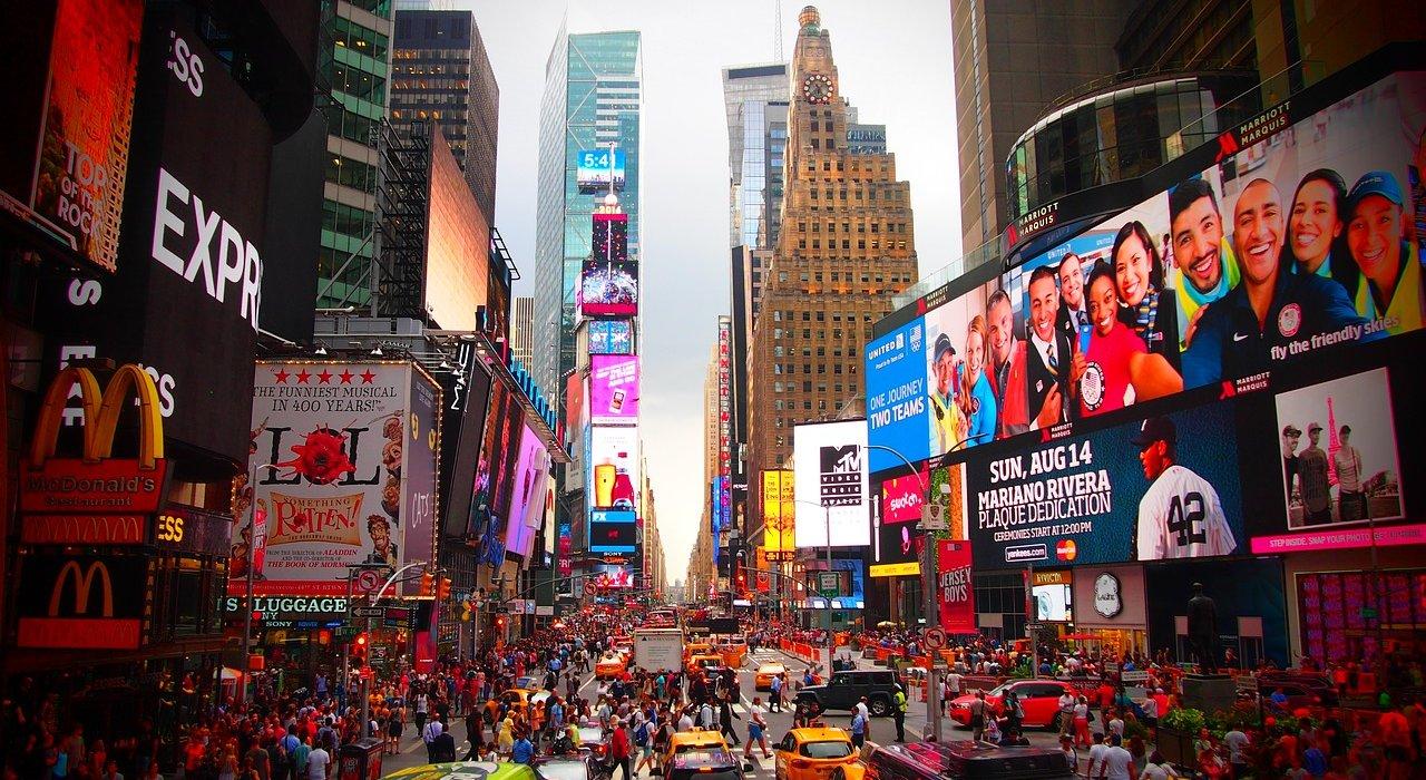 Orlando and New York 2 Centre - Image 7