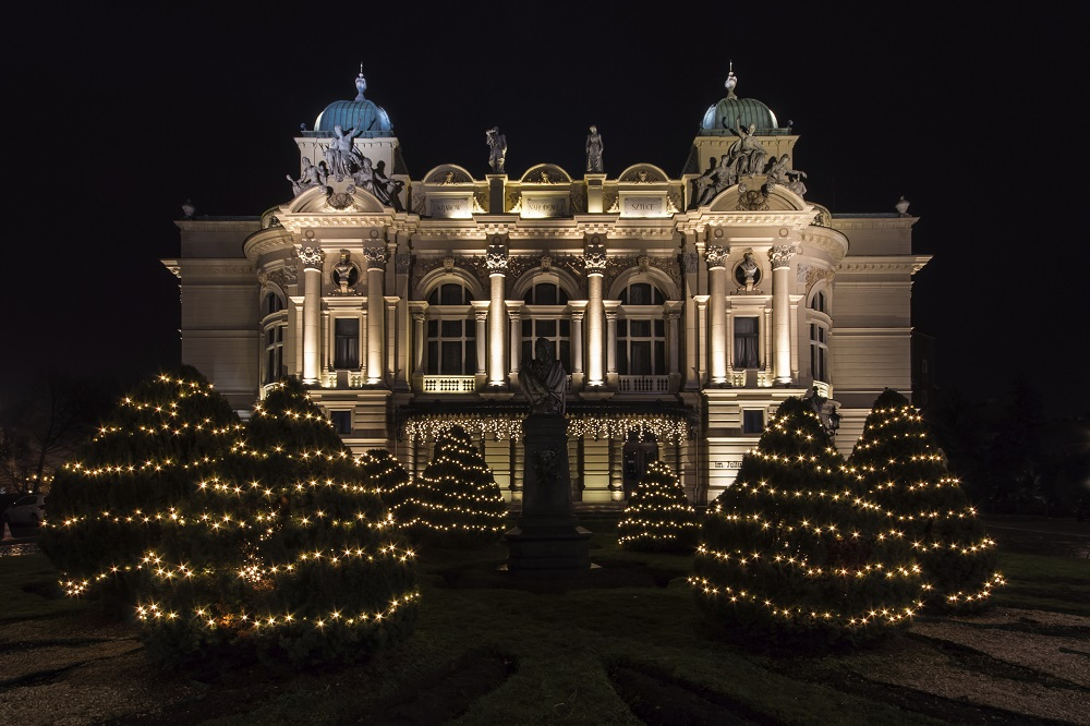 Krakow Dec 5 Star Christmas Markets - Image 1