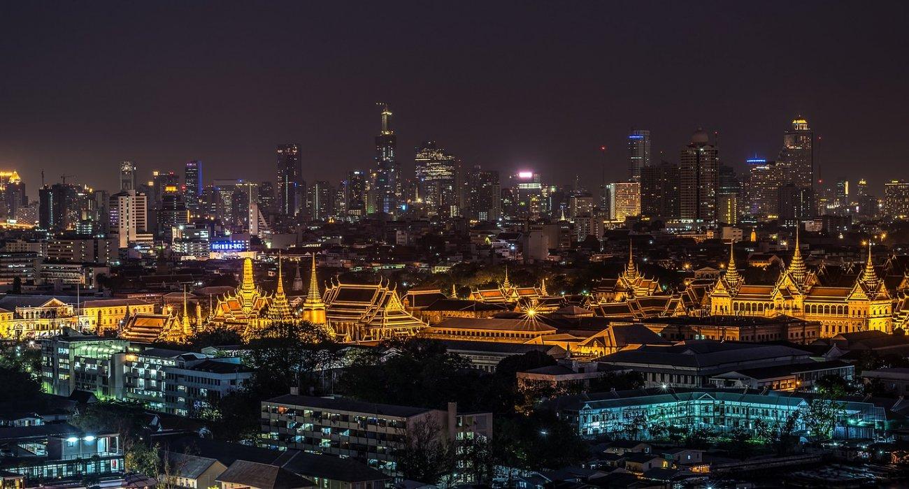 Abu Dhabi Bangkok Temples and River Kwai - Image 3