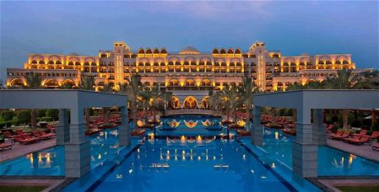 5* Dubai Jan Luxury Half Board - Image 5
