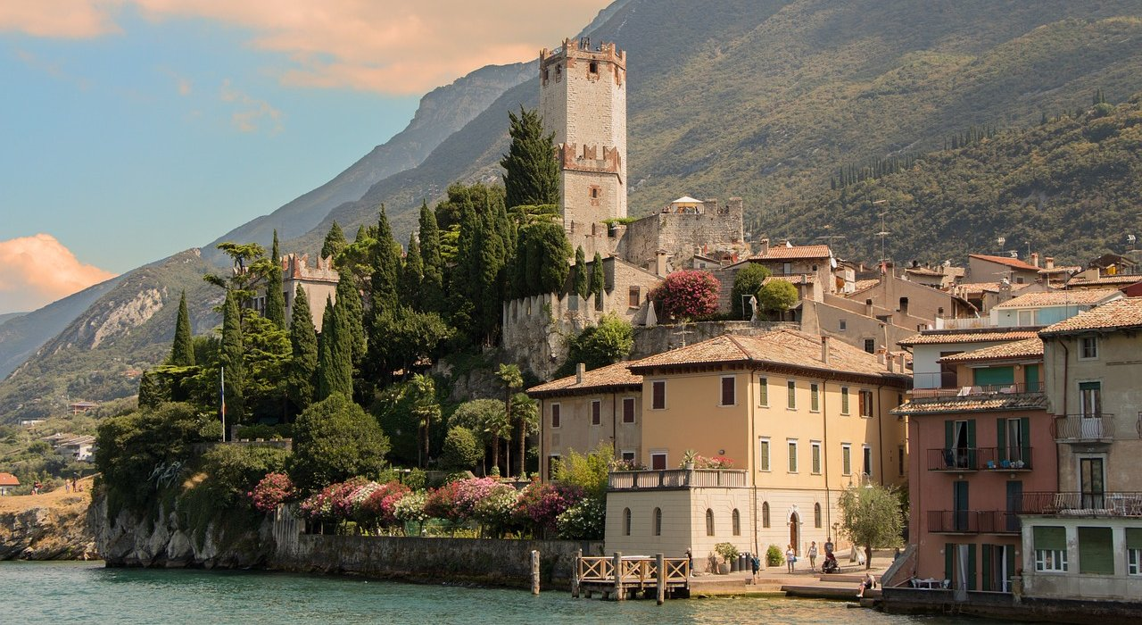 Lake Garda, Venice and Verona Late Deal - Image 1
