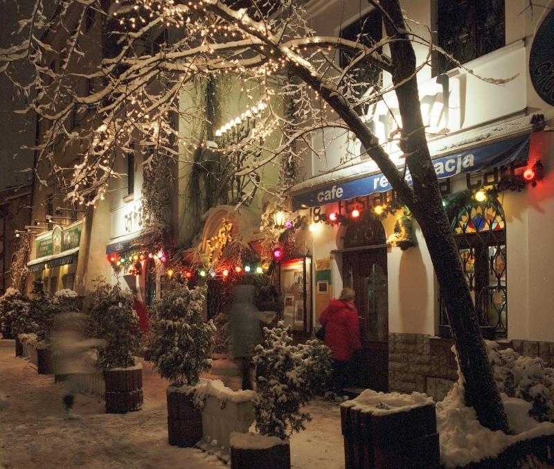 Krakow Dec 5 Star Christmas Markets - Image 3