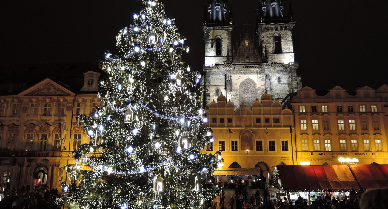 prague christmas markets trip image 1
