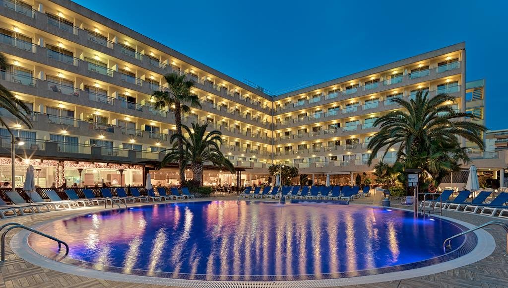 4* Salou Late April 19 Deal - Image 1