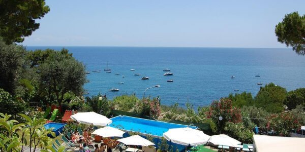 Sorrento Self Drive Week Late Availability