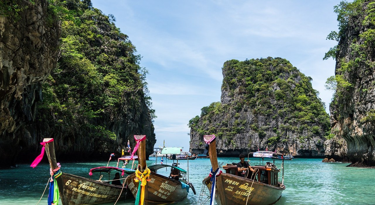 Bangkok, Phuket & Singapore 3 centre - Image 1