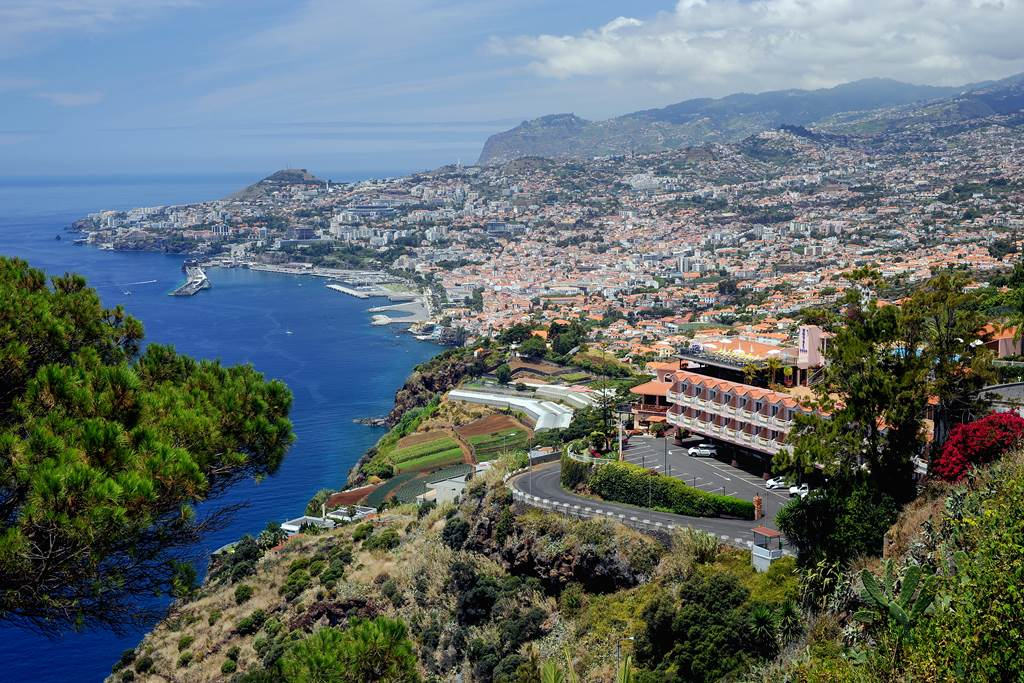 Late Notice 4* Madeira Winter Sun - Image 1