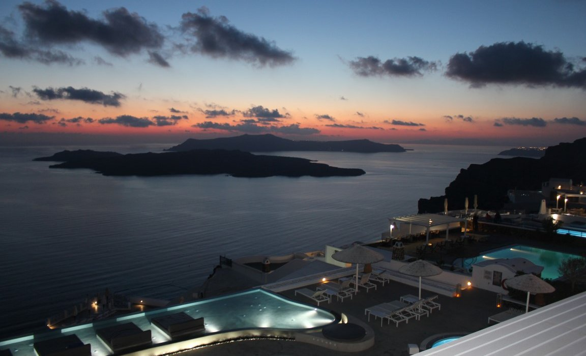 Luxury Santorini Short Breaks - Image 9