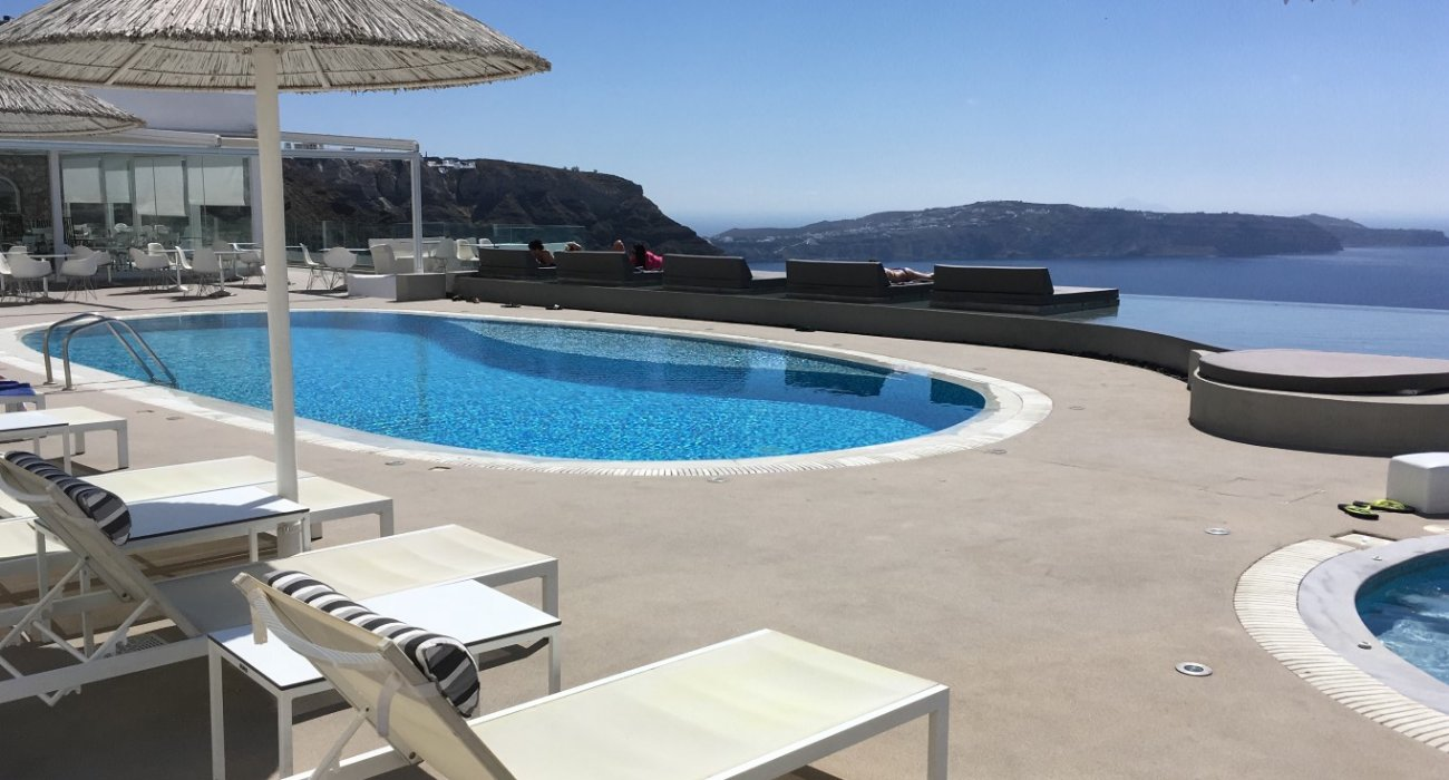 Luxury Santorini Short Breaks - Image 1