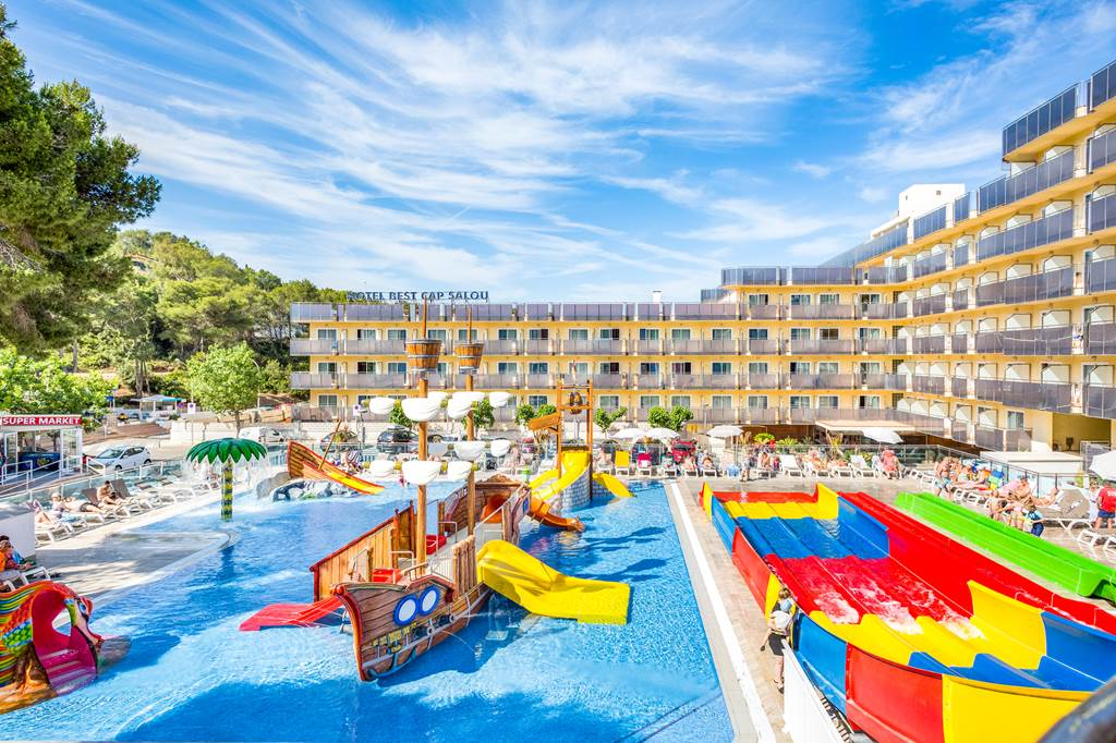 Salou Family Half Board May Sizzler - Image 1