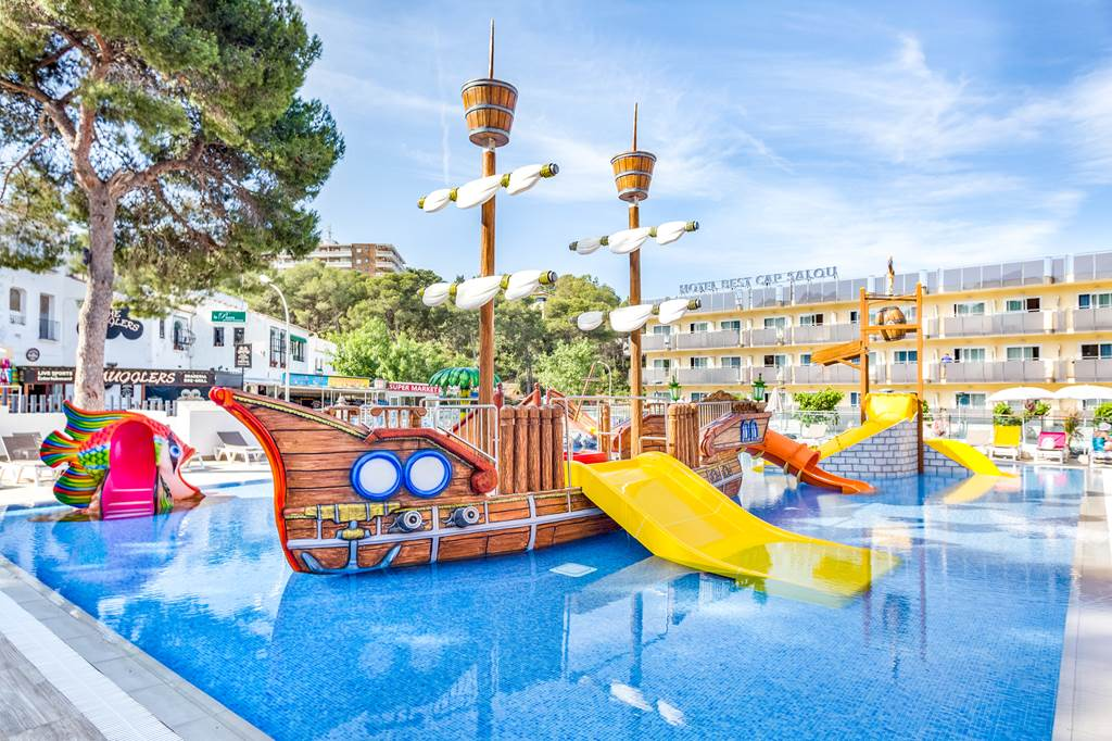 Salou Family Half Board May Sizzler - Image 4