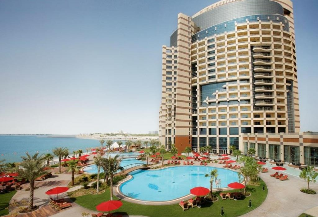 Christmas Shopping in Abu Dhabi - Image 3
