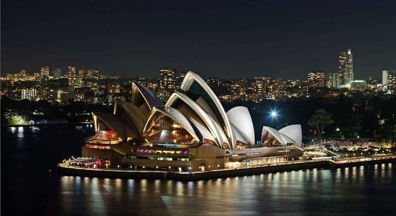 Hong Kong, The Great Barrier Reef and Sydney - Image 5