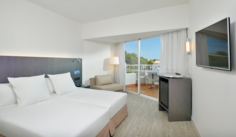 4 Night May Party Magaluf Deal - Image 4