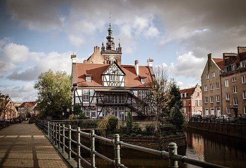 Beautiful Gdansk Bargain - Image 1