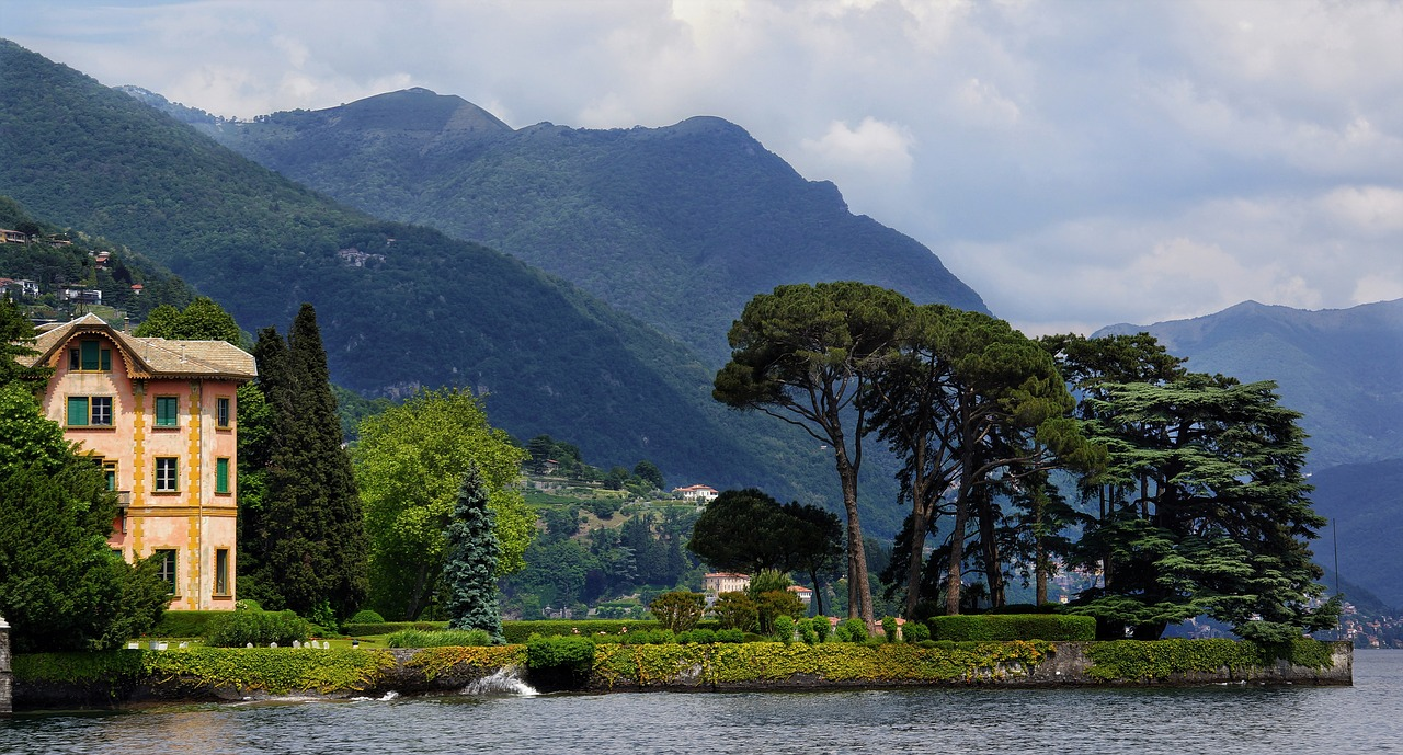 Italian Lakes Beautiful Lake Como - Image 3