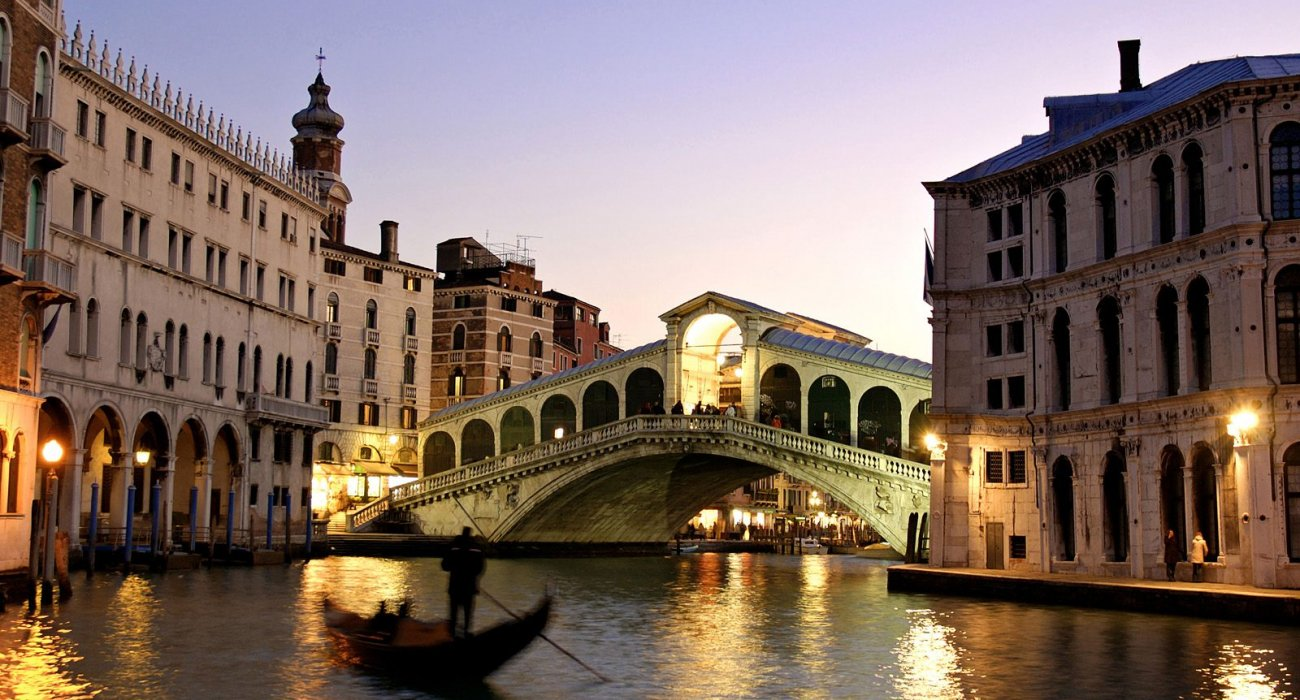 4 nights in ROMANTIC VENICE - Image 2