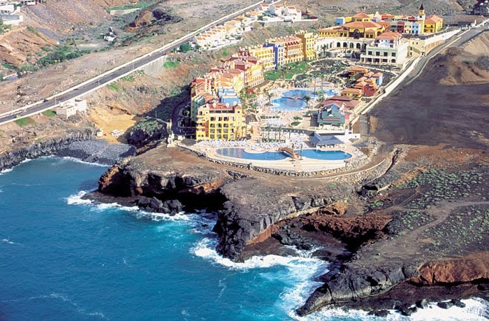 Tenerife 5* Early Booker - Image 2