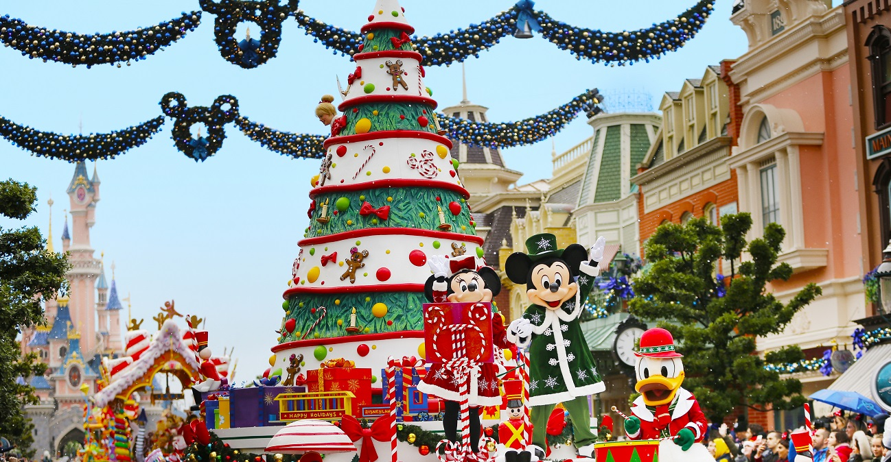 Disneyland® Paris Christmas 2019 - Image 3