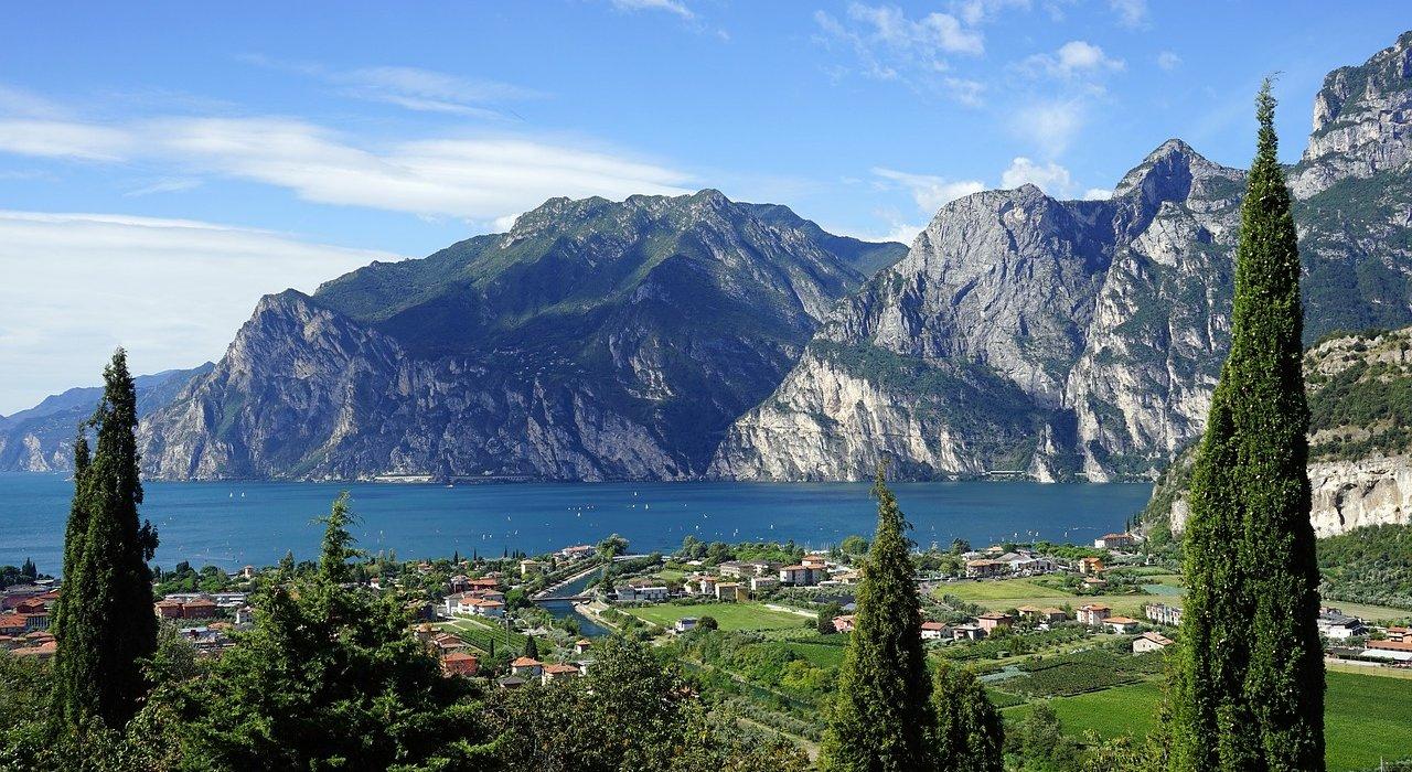 Italian Lakes and Lake Garda - Image 1