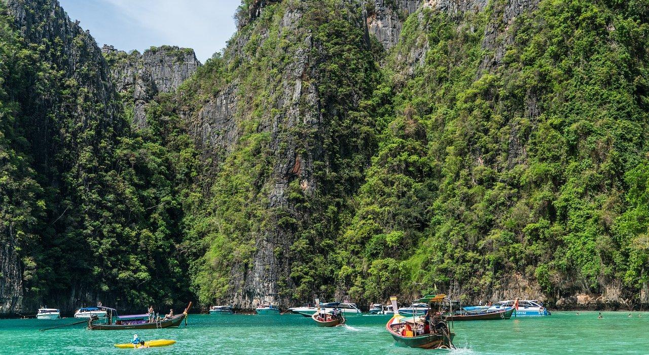 Tantalising Thailand: Bangkok and Phuket - Image 1