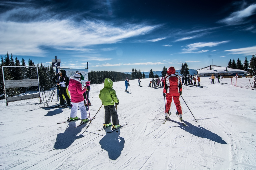 Learn to Ski Super Deal Hotel Snezhanka - Image 1