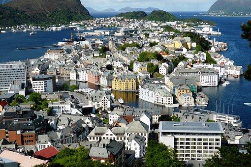 Celebrity Norwegian Fjords Cruise fr Dublin - Image 2