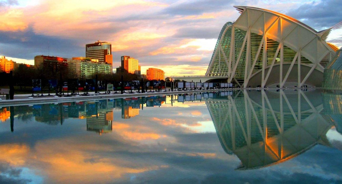 Valencia May 4 Night City Break - Image 1