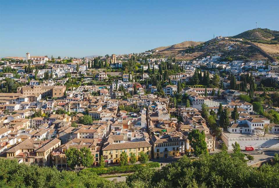 Granada & The Magnificent Alhambra Palace - Image 2