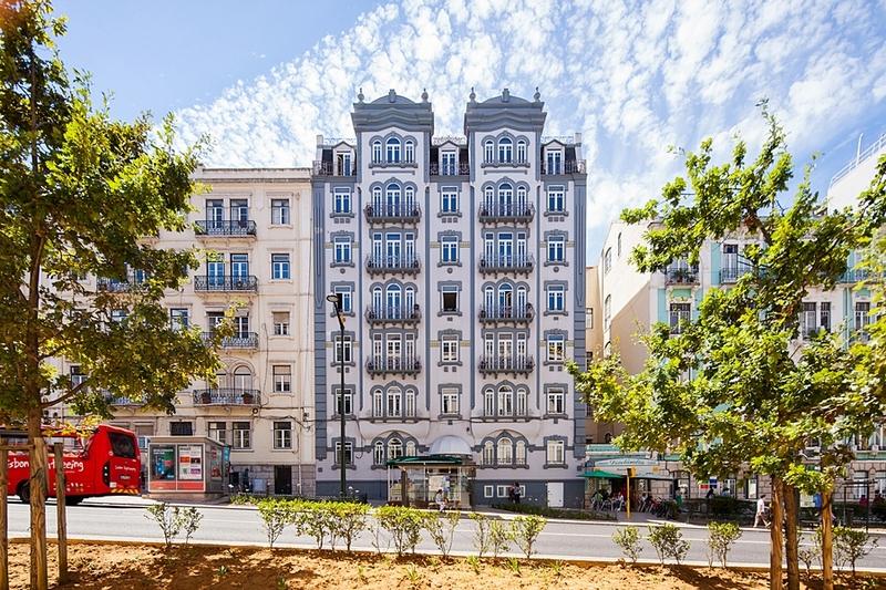Lisbon Autumn City Break - Image 1