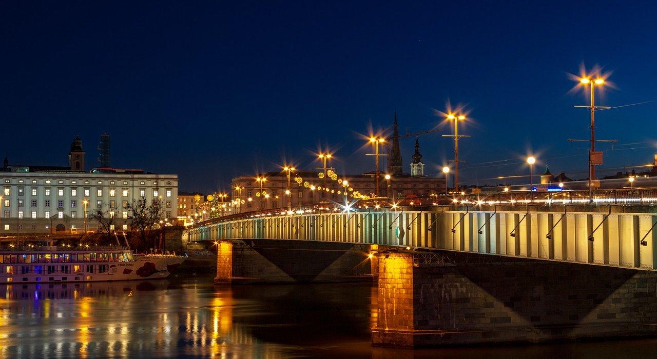 Blue Danube 7 night River Cruise - Image 4