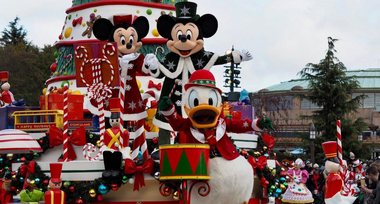 Disneyland Paris Christmas Present - Image 2