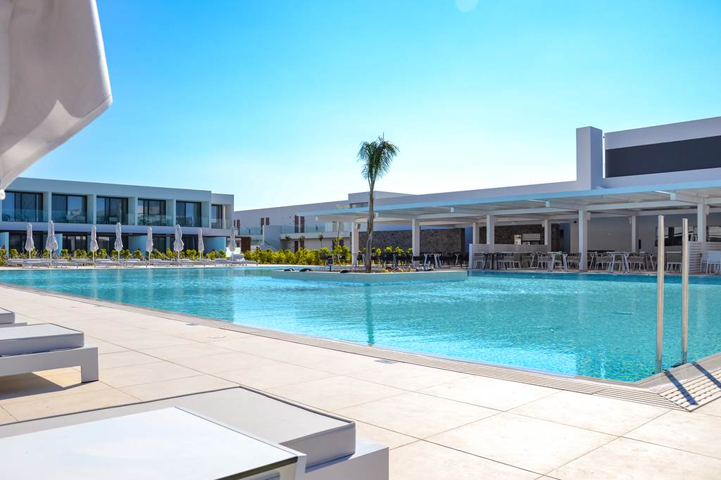 Rhodes 5* Luxury with Private Pool - Image 2