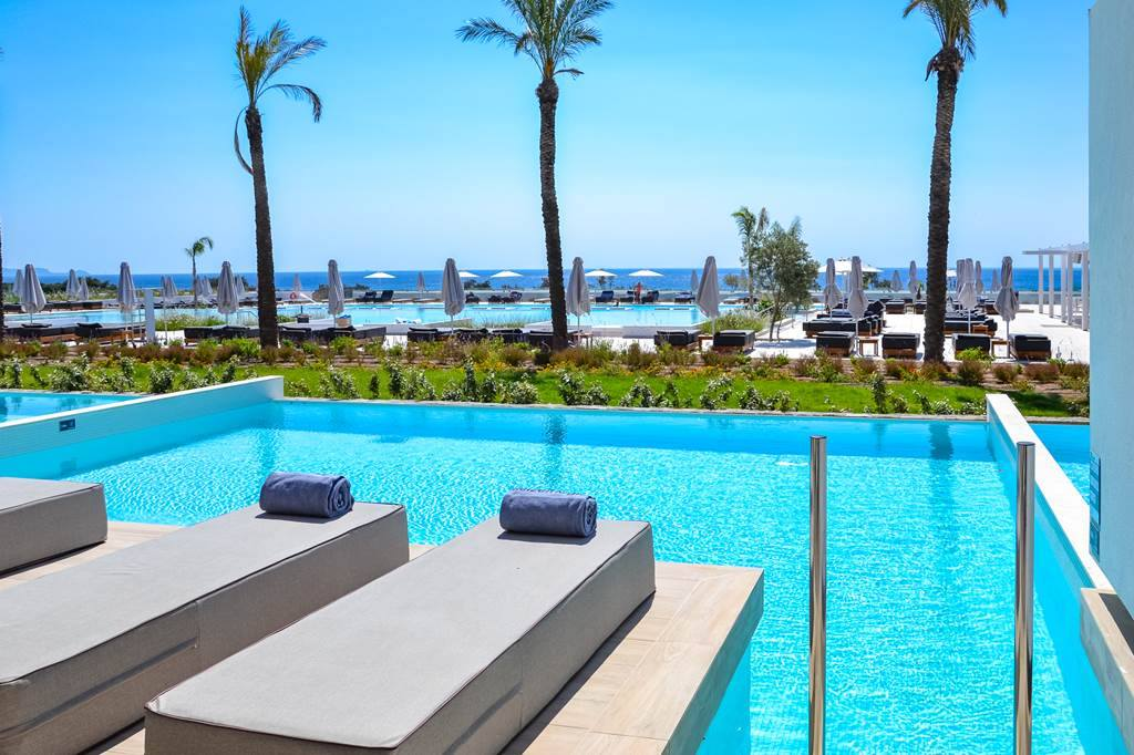 Rhodes 5* Luxury with Private Pool - Image 1
