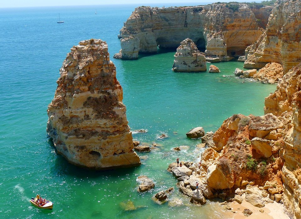 Amazing Spring Deal to Algarve - Image 4