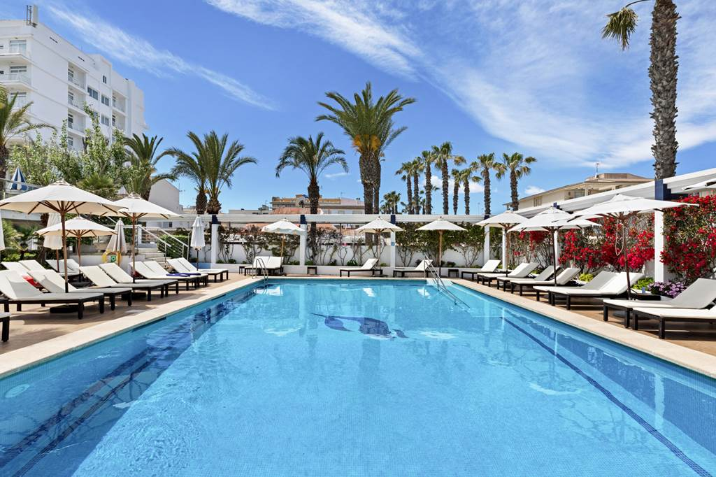 4* Adult Only Easter in Majorca - Image 1