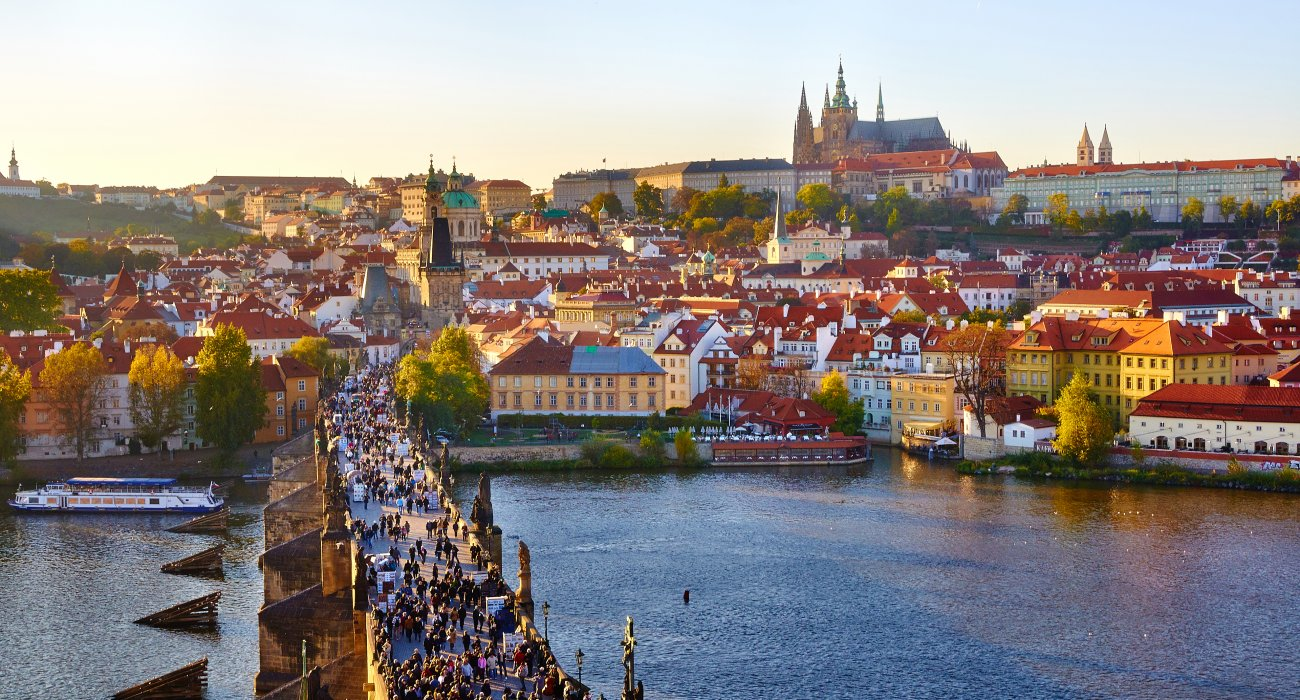 4* City Break to Prague Amazing Price - Image 1