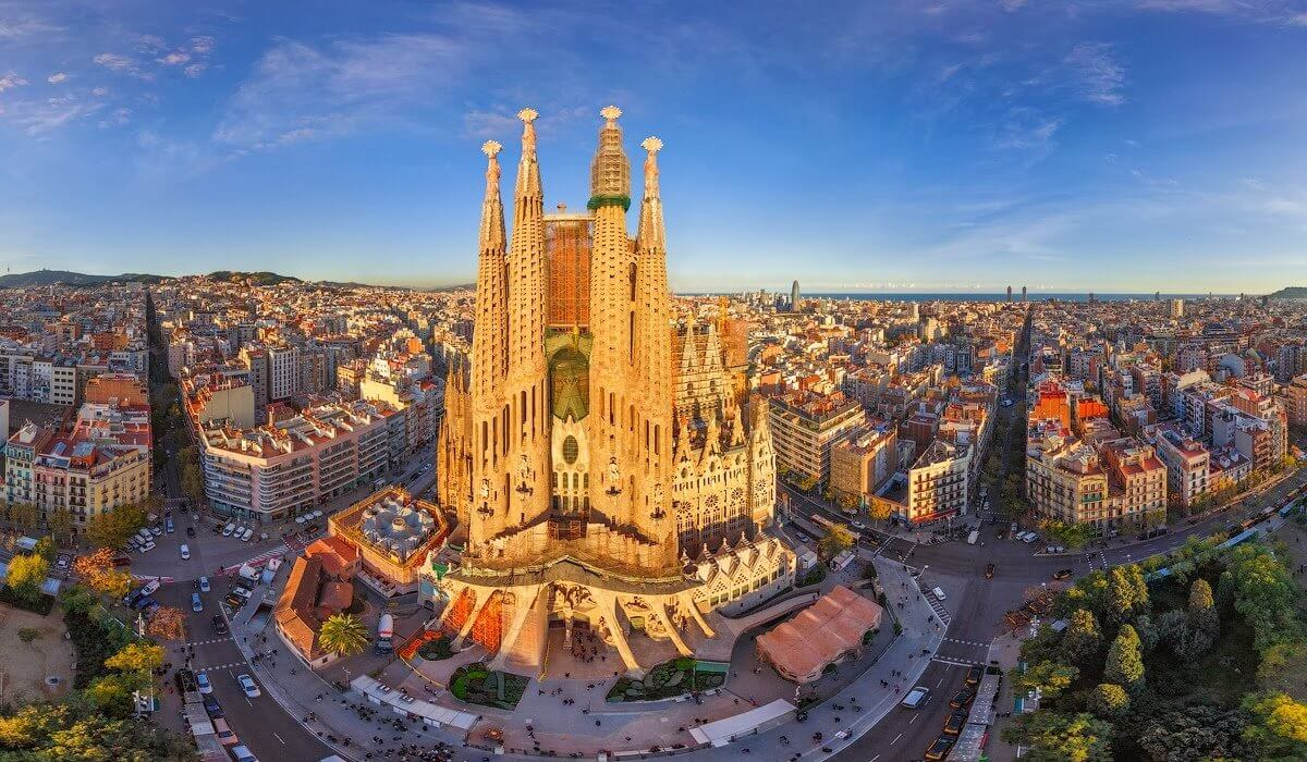 4* Barcelona Early Summer Citybreak - Image 1