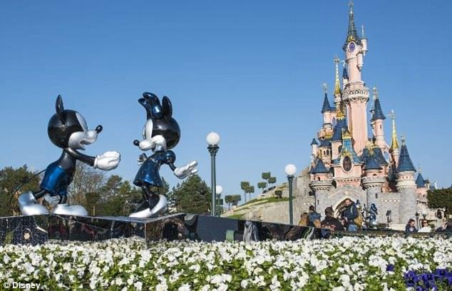 Disneyland Paris Family Hols - Image 1
