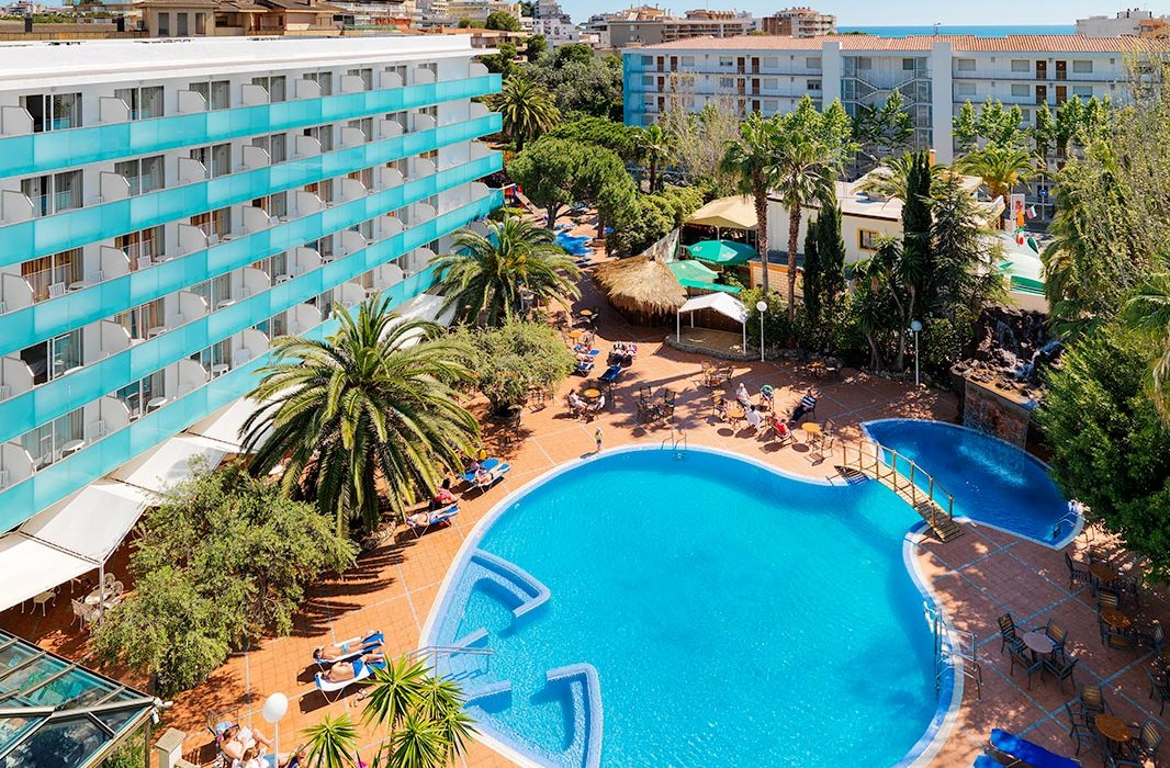 Adults Only Sunny Salou - Image 1