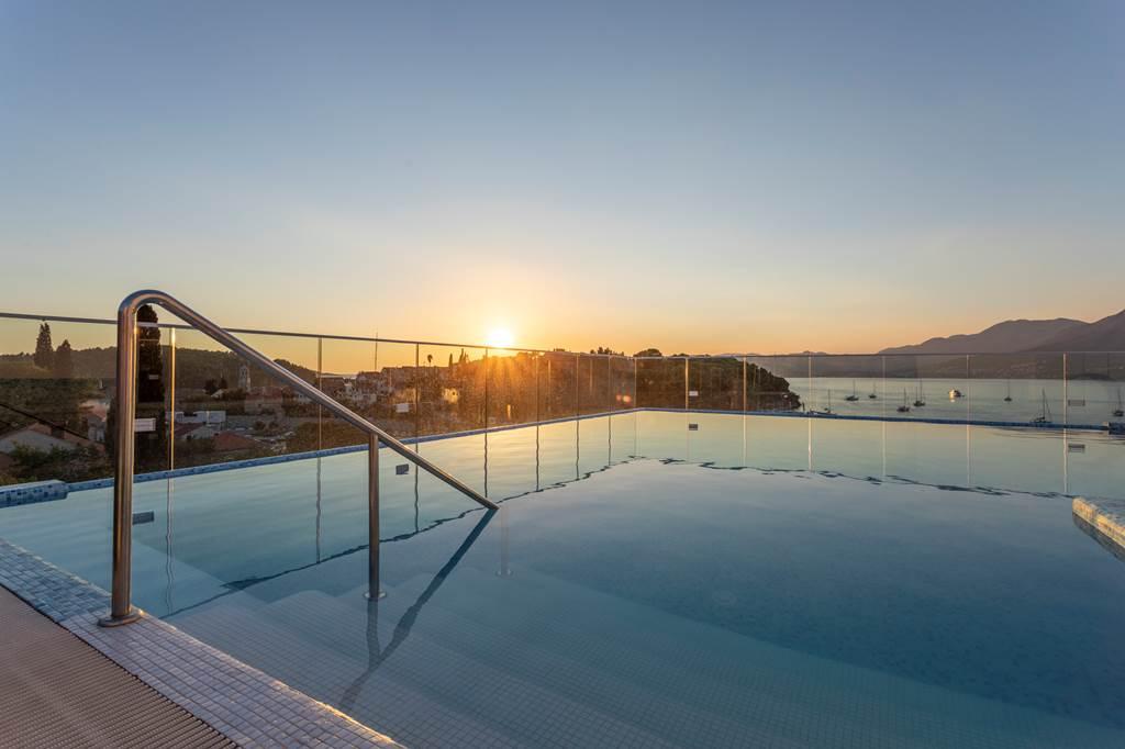 October Croatia Seafront Hotel - Image 8