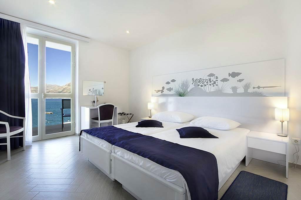 October Croatia Seafront Hotel - Image 6