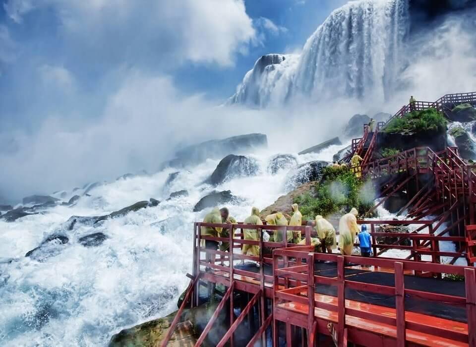 Toronto & Niagara Falls Canada Break - Image 2