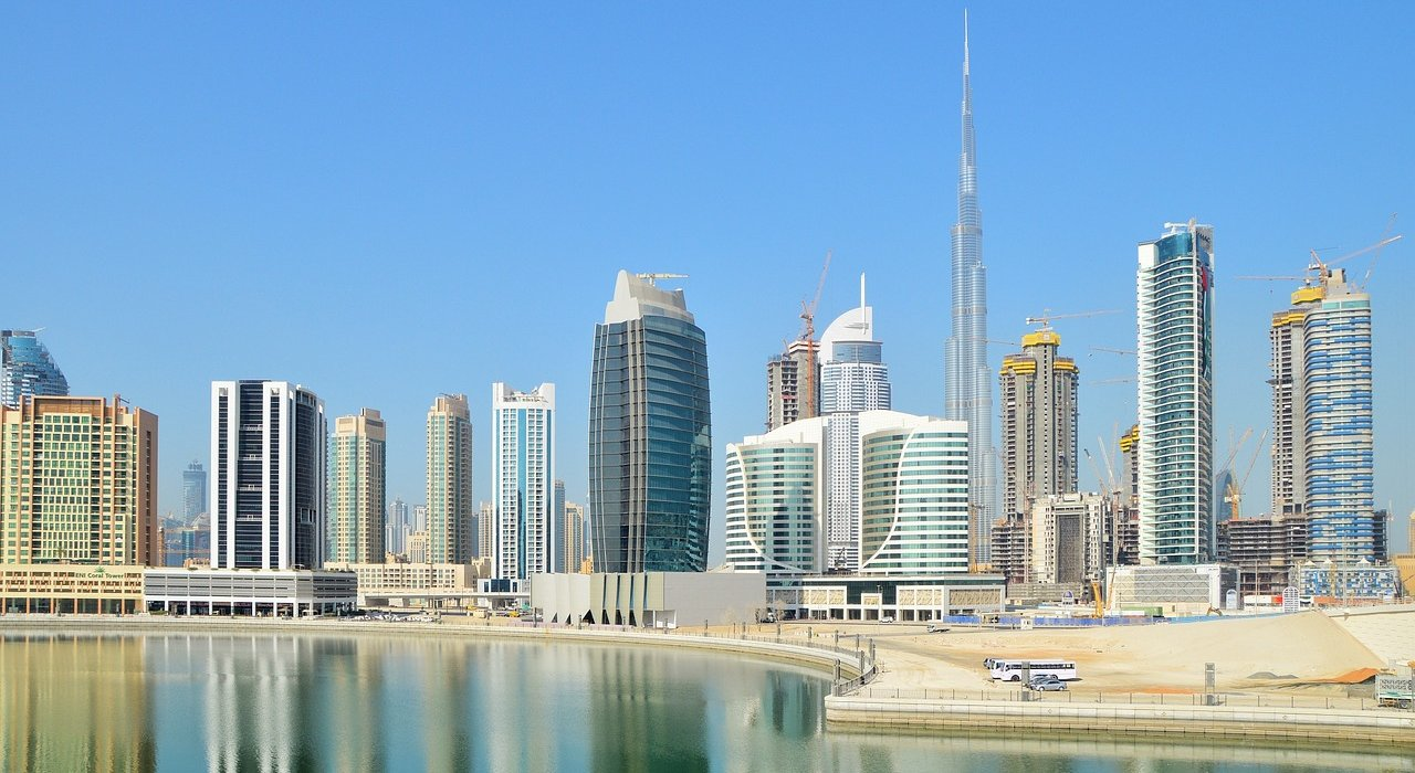 Dubai, Sydney & Singapore in Style - Image 1