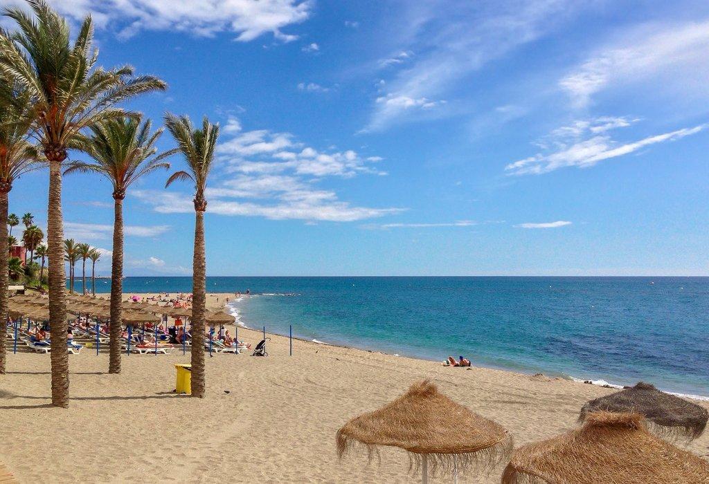 Costa Del Sol Beach Bargain - Image 1