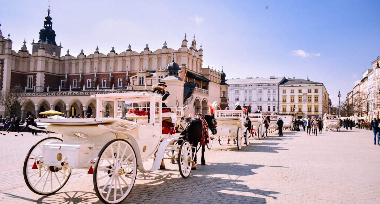 Early Booking Krakow Offer inc Tour - Image 1