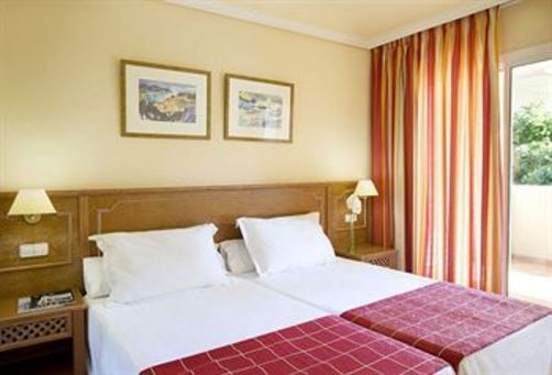 Mid May SALOU Half Board 4* OFFER - Image 3