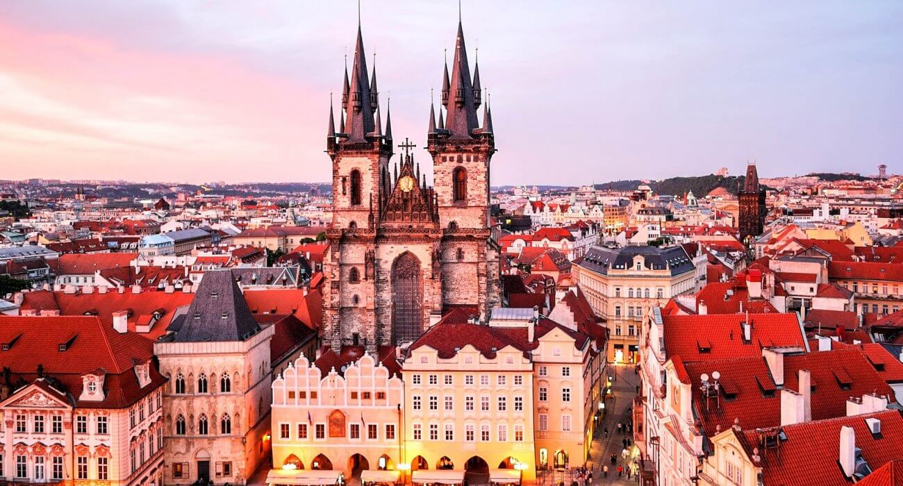 Christmas Markets in Prague - Image 2